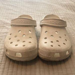 Size 7 women's crocs